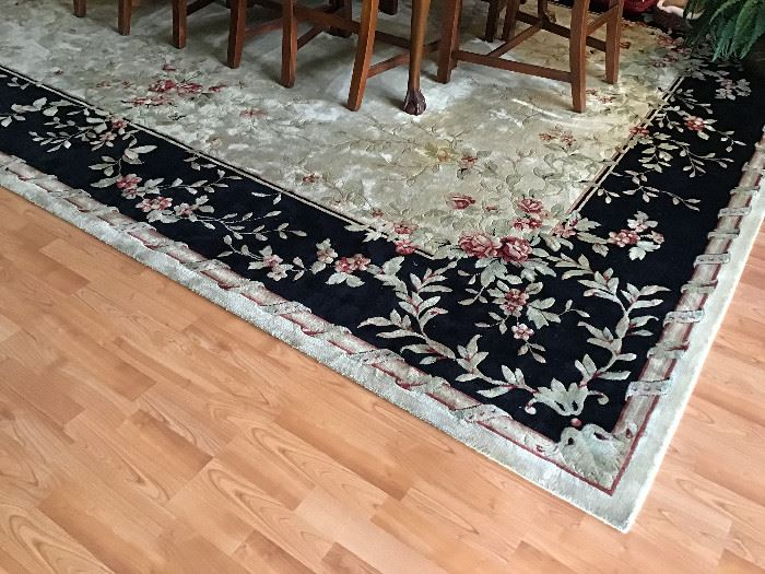 "Larger Dining room rug  13'2"" x 9'6"".  Same pattern as living room"