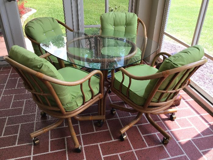 Cane Lanai Set in really good condition (always indoors)