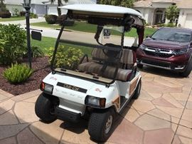 """""""The Woody""""   2003 Electric Club Car in super condition"""