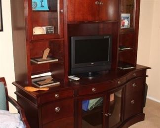 Office Furniture, Desk, Credenza and File Cabinet