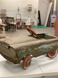 Another cool Pedal Car...