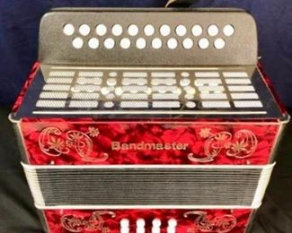 Vintage Bandmaster Accordion             https://ctbids.com/#!/description/share/136650
