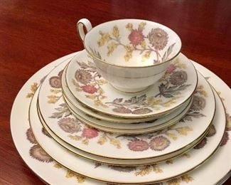 """Wedgwood """"Lichfield"""" service for 8 (plus extras)"""