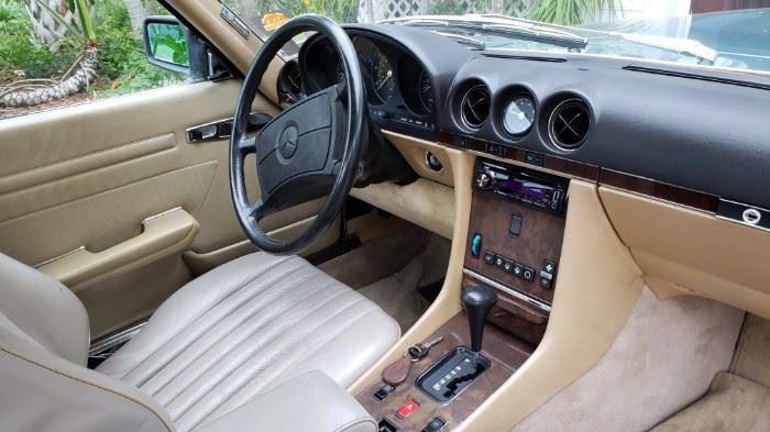 1986 Mercedes 560SL MINT