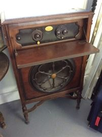 Another view of 1920's radio