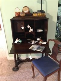 Fall front desk with key and fitted interior