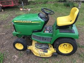 John Deere 335 Riding Mower 757 Hours