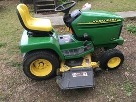 John Deere 335 Riding Mower