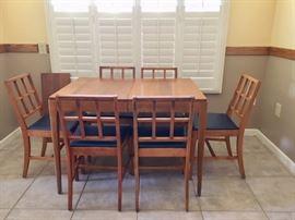 "Vintage 50"" Dinette w/ 1-12"" leaf, 6 Chairs"