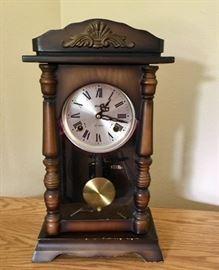 Alaron 21-day Wood Mantle Clock