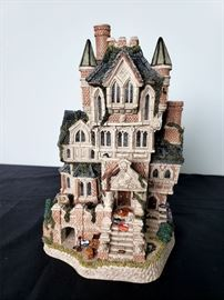 """#22 - 1996 David Winter Cottages """"Haunted House""""- limited edition 575/4900."""