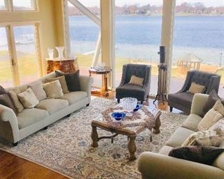 GORGEOUS TRADITIONAL FURNITURE AND RUG