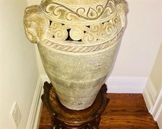 LARGE ANTIQUE STYLE POTTERY URN