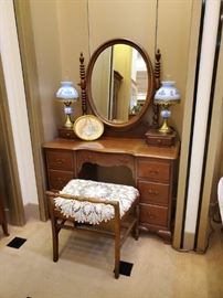Antique vanity - nice!