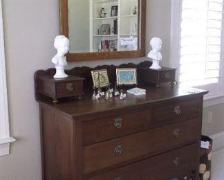 Three drawer chest w/glove boxes