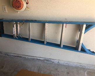 Fiberglass stepladder