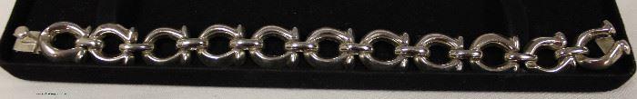 Marked 925 Horseshoe Bracelet  Located Inside – Auction Estimate $30-$60