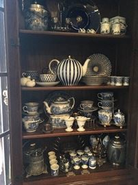 Various Blue and White pieces to include: Spode, Delft & Transferware
