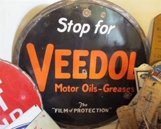 VEEDOL OIL PORCELAIN SIGN