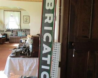 SINCLAIR LUBRICATION PORCELAIN SIGN