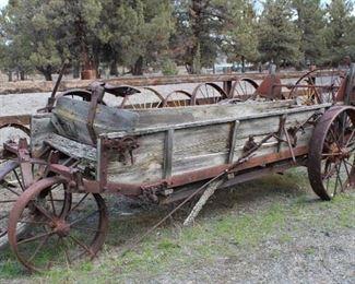 Antique manure spreader