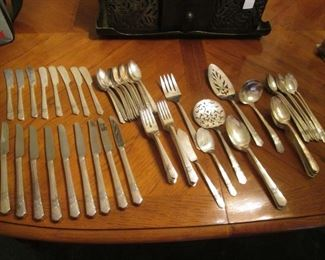 """Oneida Rogers Silver Plate Flatware Set """"Silver Rose"""",    74 pieces"""