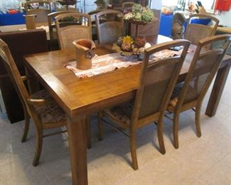 """Dining Room Table/6-Chairs with 2-20""""Leaves & Pads   72"""" X 42"""""""