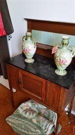 Washstand vases