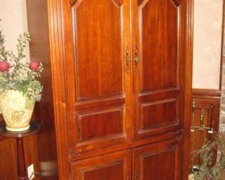 media armoire