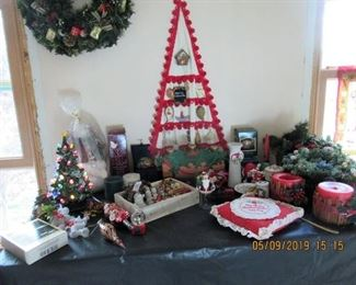 VINTAGE UKRANIAN CHRISTMAS ITEMS