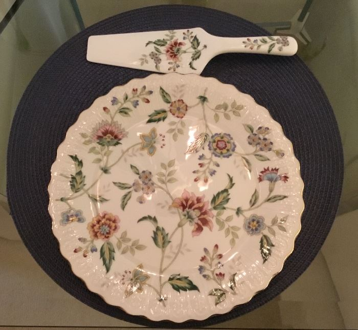 Pretty Floral cake plate with matching server