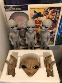 Alien figurines
