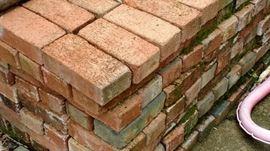 Landscaping bricks   Many hundreds   Will sell early!