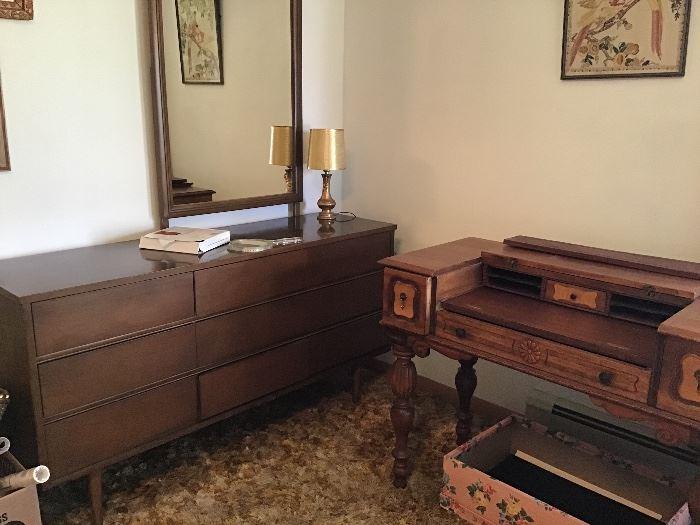 Nice long dresser with mirror