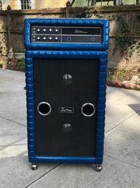 Kustom Electronics, Inc. 250 100-Watt Bass Amp. JBL D130 Speakers