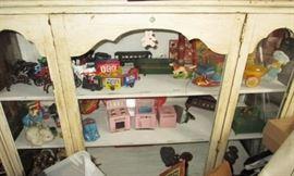 Antique & vintage toys including cast iron, tin, pressed metal, vintage plastic