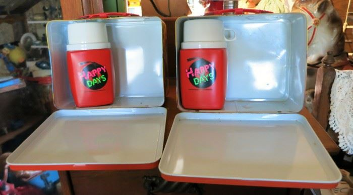 Vintage 1976 Happy Days lunch boxes w/ thermos, Excellent condition!
