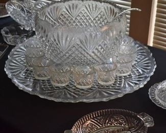 Beautiful and Very Large Vintage Pineapple Style  Punch Bowl Set!