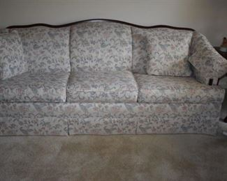 Lovely Sofa in Excellent Condition