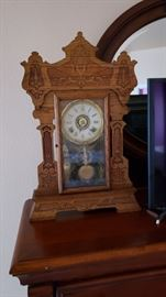 working great condition mantle clock