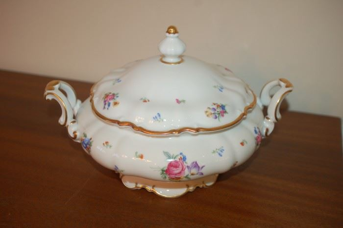 """Serving bowl with lid/handles 9"""" - Hutschenreuther Gelb, Bavaria Germany, PASCO, 7619, Mayfair"""