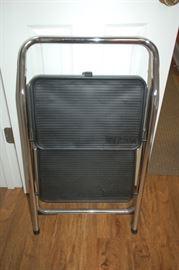 TriCam step stool