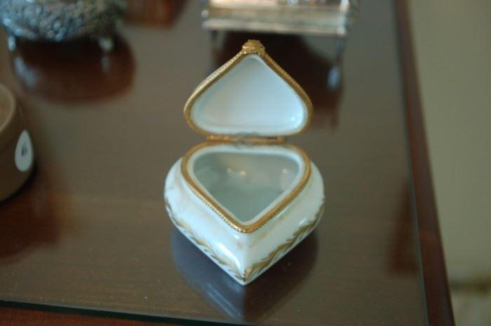 Limoge porcelain ring box