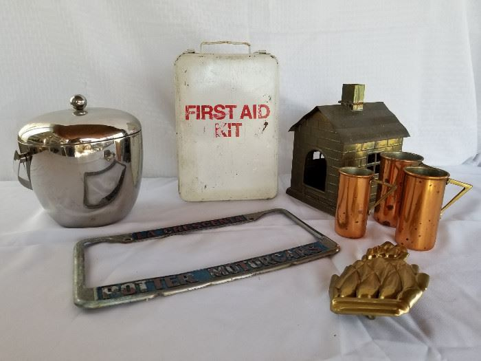 Collection of vintage metal and copper collectibles https://ctbids.com/#!/description/share/136911