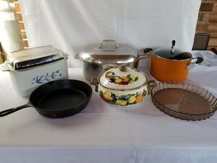 Collection of vintage cookware and cast iron pan https://ctbids.com/#!/description/share/136915