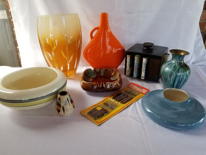 Collection of mid century pottery, glassware, Cassette tape holder and more https://ctbids.com/#!/description/share/136919