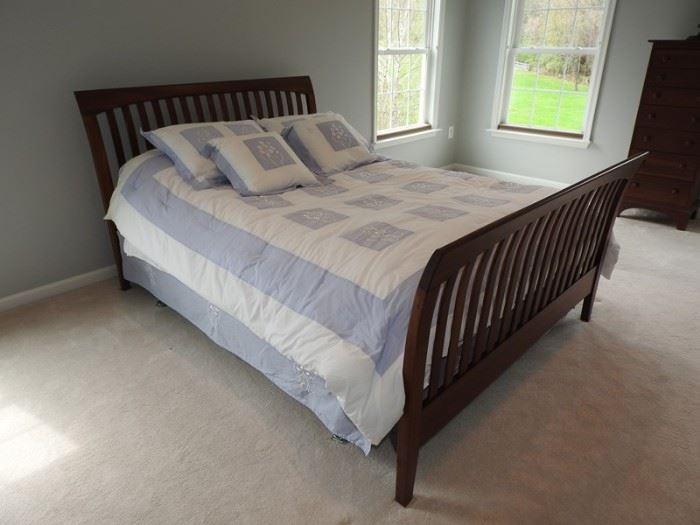 Ethan Allan Cherry Queen Size Sleigh Bed Mattress Coverings