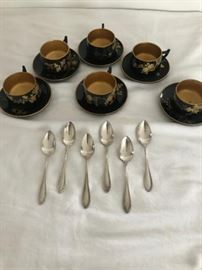 17 - Six Japanese lacquer tea cups and saucers https://ctbids.com/#!/description/share/137289