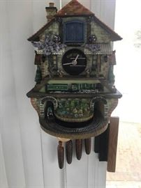 Cuckoo Clock      https://ctbids.com/#!/description/share/137301