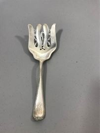 sterling silver cold meat fork https://ctbids.com/#!/description/share/137344